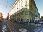 metro A fermata Ottaviano/San Pietro (a 5 minuti a piedi)