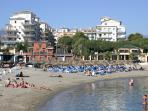 Beach front Andalucia del Mar,Puerto Banus Beach access from garden