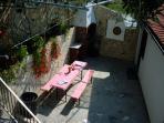 garden terrace (house and surroundings)