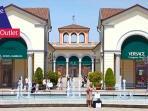 Castello di Tassarolo a 10 minuti dall'Outlet di Serravalle