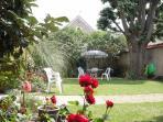 LES-CHENEVIS / le jardin côté jardin