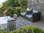 Flatlet / family room deck