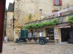 Sarlat 1hr 30 min  Drive from Gites South West France