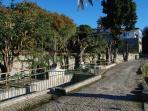 Bron van 125 jaar oud met Quinta das Murteiras op achtergrond.
