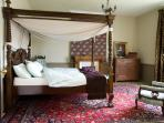 La Maison Manoir Holiday in Brittany Meneac -  4-Poster Kingsize Bed. Double Bedroom (2)