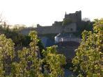 Vue sur le Château Richard Coeur de Lion depuis une fenêtre de la maison