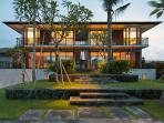 Arnalaya Beach House - Living & dining rooms plus the two Ocean Suites