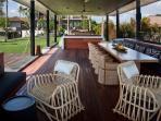 Arnalaya Beach House - Pool bale