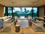 Arnalaya Beach House - Living room