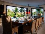 Villa Umah Daun - Indoor dining area