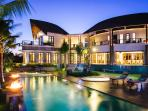 Villa Umah Daun - Lights at dusk