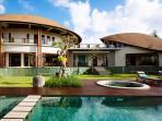 Villa Umah Daun - The villa and pool