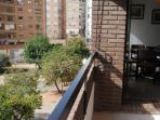 Balcón exterior y zona de fumadores