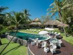 Villa Sungai Tinggi - Poolside