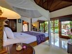 7. Villa Kedidi - Master suite