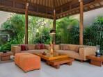 4. Lakshmi Villas - Ubud - Living area