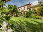 La Part des Anges Vacation House with a Grill and Terrace