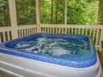 Hot Tub at Bearly In The Mountains