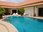 The beautiful courtyardbeautiful siam court bang saray sattahip close to major attractions