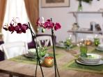 FORUM HOUSE-Dining table-decorative detail