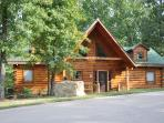 2 Bed All Wood Log Cabin- wifi, hottub SPECIALS
