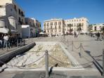 Piazza del Ferrarese la piazza della night life di Bari a 5 minuti a piedi da Nirvana House
