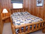 Queen Size Bed at Mountain Majesty