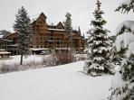 Zephyr Mountain Lodge Riverside building.