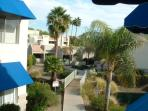 GREAT VALUE AND LOCATION,  HEATED POOL,SPA, GOLF, RESTAURANTS, MALLS, SHOPPING