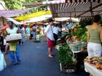 this is the street farmers market at the corner with rua visconde de piraja once per week