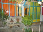 patio, ampio spazio per socializzare o mangiare all'aperto