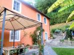 Cottage with pool, close Lucca, great views. WIFI!