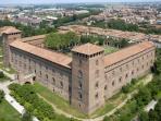 Il Castello Visconteo, a Pavia a 6 km dal nostro b&b