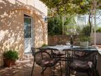 A2(2+2): garden terrace