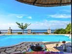 Private pool with wonderful seaviews