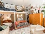 Twin bed - opens to queen Baroque suite.