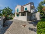 Villa Kamenica is situated in a quiet street, but it offers gated parking place for 4 cars