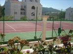 Pista de tenis disponible para los inquilinos