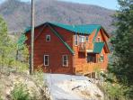 The most secluded cabin in the Smoky Mountains~360 degree mountain views! Sleeps up to 18~Theater rm