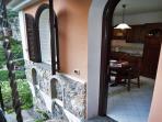 06 Ciclamino entrance