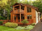 Niagara River Chalet - 2 Decks, Hot Tub -- ON the Niagara River with Deck, Dock, Firepit