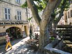 Vie de quartier : rue des teinturiers et ses bars, restaurants de qualité