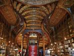Livraria Lello bookstore - 250m - 3 min walk