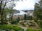 Romantic Crystal Palace Gardens - 1,2 km - 12 mins walk