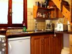 Fully equipped   kitchen. (fridge, boiler, coffee pot, small oven, 2 hot plates)