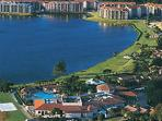 Beautiful 5 Star Lake Front Resort Only Minutes To Attractions.