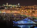 Le port at night