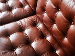 leather of the Florence Knoll leather sofa