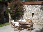 Patio , protected by the wind ,ideal for winter Sun!
