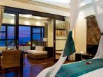 Villa Lega - Master bedroom at night